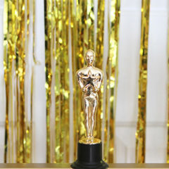How to Throw the Perfect Oscar Party + Free Printable Ballot | For the Glitz